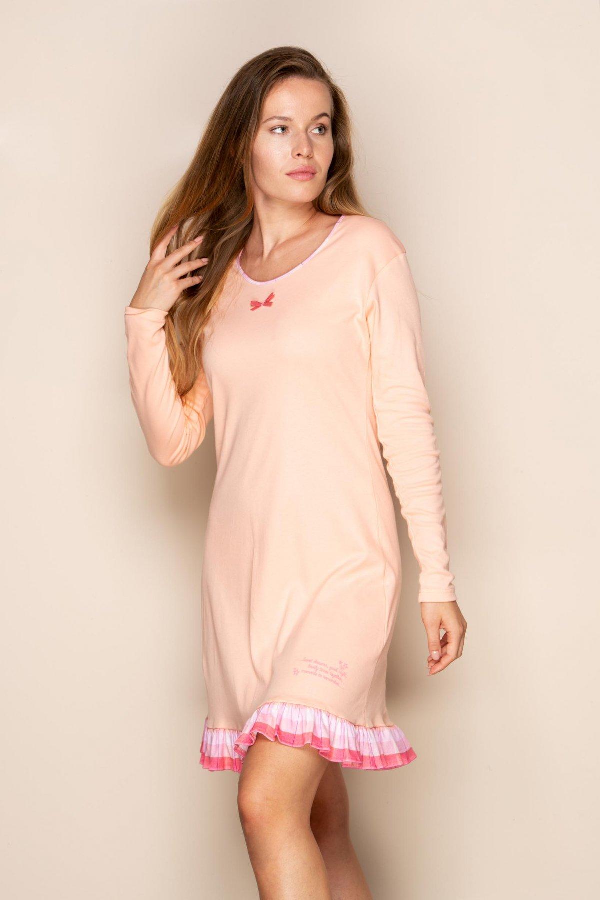 Noční košile s volánem Pinky Dreams 370036